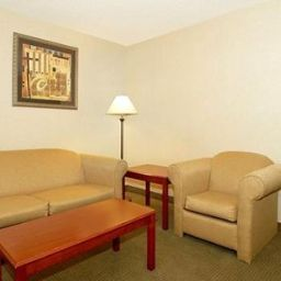 Suite Comfort Inn Lawrenceburg