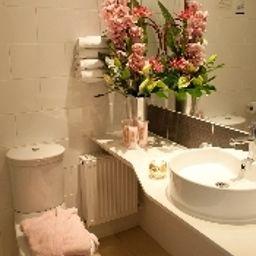 Arlington_OConnell_Bridge-Dublin-Bathroom-1-367285.jpg