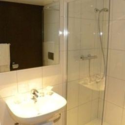 Kyriad_-_Nice_Gare-Nice-Bathroom-1-374500.jpg