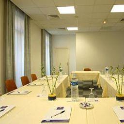 Kyriad_-_Nice_Gare-Nice-Conference_room-374500.jpg