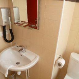 Berne-Nice-Bathroom-5-376025.jpg