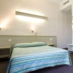 Berne-Nice-Room-7-376025.jpg