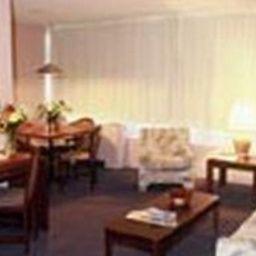 Hotel_La_Tour_CentreVille-Montreal-Room-4-380012.jpg