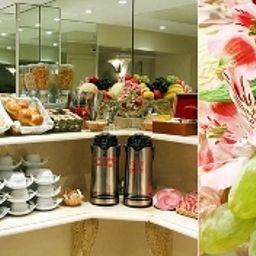 La_Regence_Etoile-Paris-Breakfast_room-2-381013.jpg