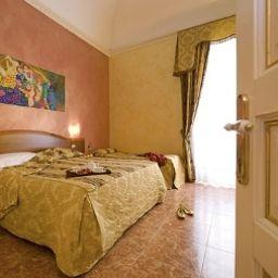 Joli-Palermo-Triple_room-386515.jpg