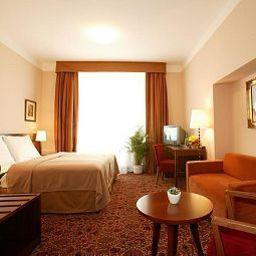 Antik_City-Prague-Room-6-389015.jpg