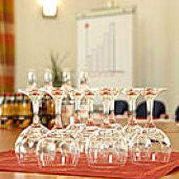 Loewen-Rust-Conference_room-1-389186.jpg