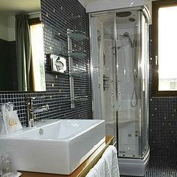 Orange_Motel-Vergiate-Bathroom-1-389814.jpg