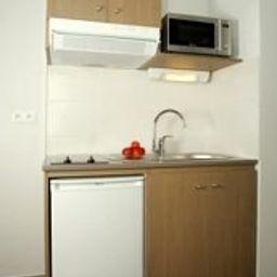 Appart_City_Lyon_Part_Dieu_Villette_Residence_de_Tourisme-Lyon-Kitchen_in_room-1-389919.jpg