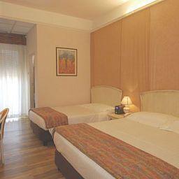 Ambienthotels_Peru-Rimini-Room-1-390133.jpg
