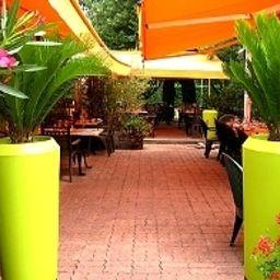 Au_comte_d_Ornon_Logis-Gradignan-Hotel_outdoor_area-1-390252.jpg