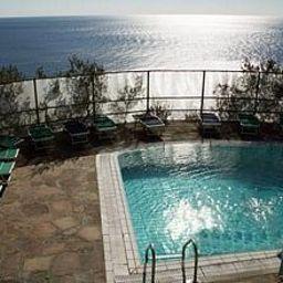 Punta_Chiarito_Hotel_Ristorante-Forio-Pool-2-390651.jpg