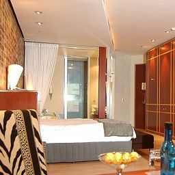African_Pride_Melrose_Arch_Sandton-Johannesburg-Room-390661.jpg