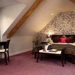 Mandolay-Guildford-Superior_room-3-390718.jpg
