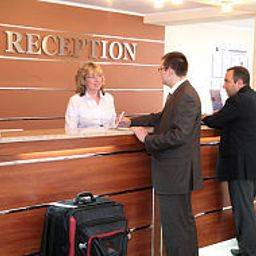 Maxima_Slavia-Moscow-Reception-390742.jpg