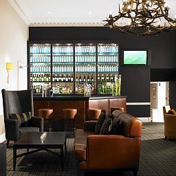 De_Vere_Venues_Highfield_Park-Reading-Hotel_bar-391704.jpg