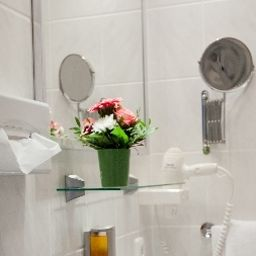 Kiez_Pension-Berlin-Bathroom-8-391826.jpg