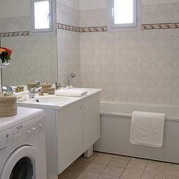 Aparthotel_Adagio_Access_Marne_la_Vallee_Magny_le_Hongre-Magny-le-Hongre-Bathroom-392661.jpg