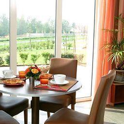 Aparthotel_Adagio_Access_Marne_la_Vallee_Magny_le_Hongre-Magny-le-Hongre-Breakfast_room-392661.jpg