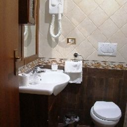 Il_Romitello_Religious_Guest_House-Rome-Bathroom-2-392974.jpg