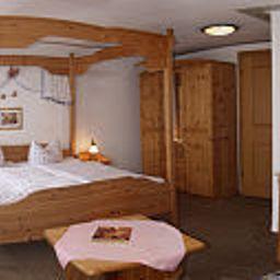 Standard room Der Bergbauernwirt im Landhaus Bolgental