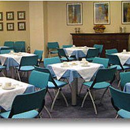York-Rome-Breakfast_room-393191.jpg
