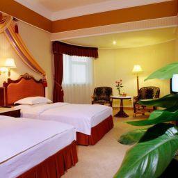Zimmer Transcentury Hotel