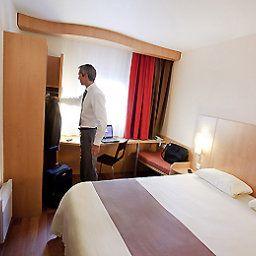 ibis_Cannes_Mandelieu-Mandelieu-la-Napoule-Room-1-396398.jpg