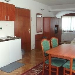 Helios-Budapest-Family_room-396788.jpg