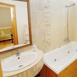 Panorama_Panzio-Eger-Bathroom-1-397143.jpg