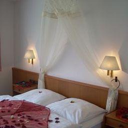 Landhaus_Adensen-Nordstemmen-Room-397992.jpg