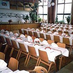 Adler-Oberreute-Banquet_hall-398360.jpg