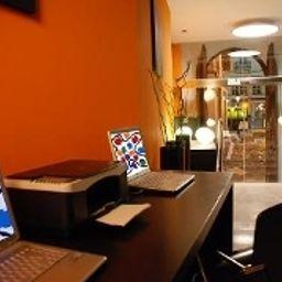 Petit_Palace_Plaza-Malaga-Reception-2-398384.jpg