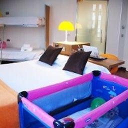 Petit_Palace_Plaza-Malaga-Family_room-2-398384.jpg