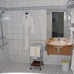 de_Pen_Bron_Logis-La_Turballe-Bathroom-399330.jpg