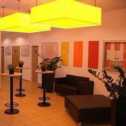 Ibis_Budget_Muenchen_Ost_Messe-Ascheim-Hall-1-399565.jpg