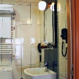 Viva_Hotel_Old_City-Istanbul-Bathroom-1-399583.jpg