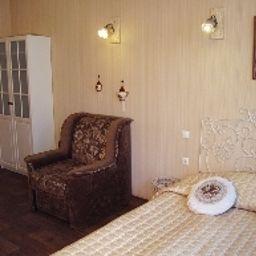 omfort_on_Chekhova-Sankt-Peterburg-Business_room-3-400490.jpg