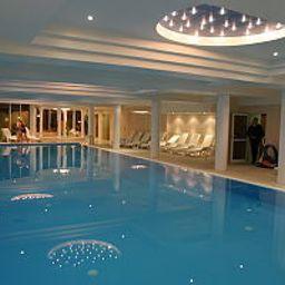 Ambasador_Chojny-Lodz-Schwimmbad-400649.jpg