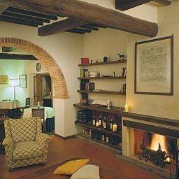 Część wewnętrzna hotelu Relais Villa Petrischio