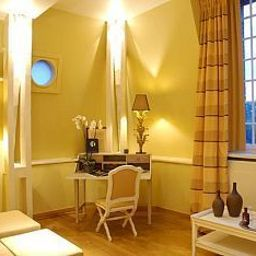 Suite Chateau de Belmesnil Saint-Denis-le-Thiboult (Upper Normandy)
