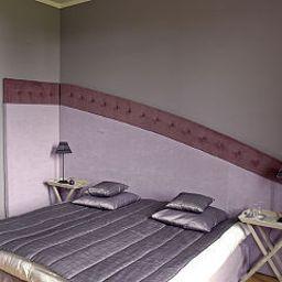 Chateau_de_Belmesnil-Saint-Denis-le-Thiboult-Room-4-402200.jpg