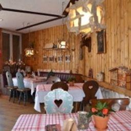 Seehotel_Riviera-Gersau-Restaurant-1-402285.jpg
