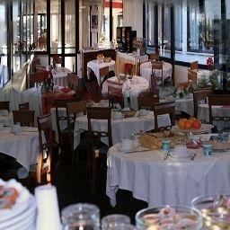 One_Park_Hotel-Marino-Breakfast_room-402574.jpg