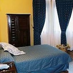 Casona_de_Torres_Logis-Mondejar-Room-1-402901.jpg