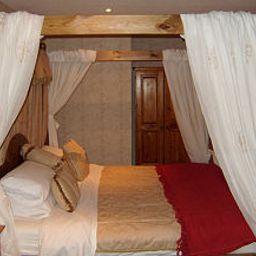 Cathedral_Lodge-Lichfield-Junior_suite-406465.jpg