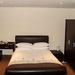 Cathedral_Lodge-Lichfield-Suite-406465.jpg