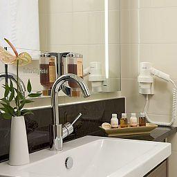 Bathroom InterCityHotel