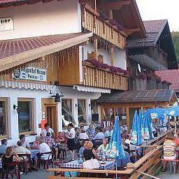 Menauer_Berggasthof-Schwarzach-Terrasse-407538.jpg
