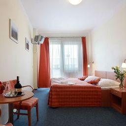 Travel-Prague-Double_room_standard-407613.jpg
